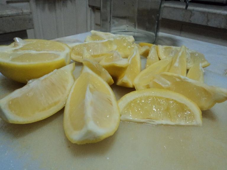 Lemons in eights