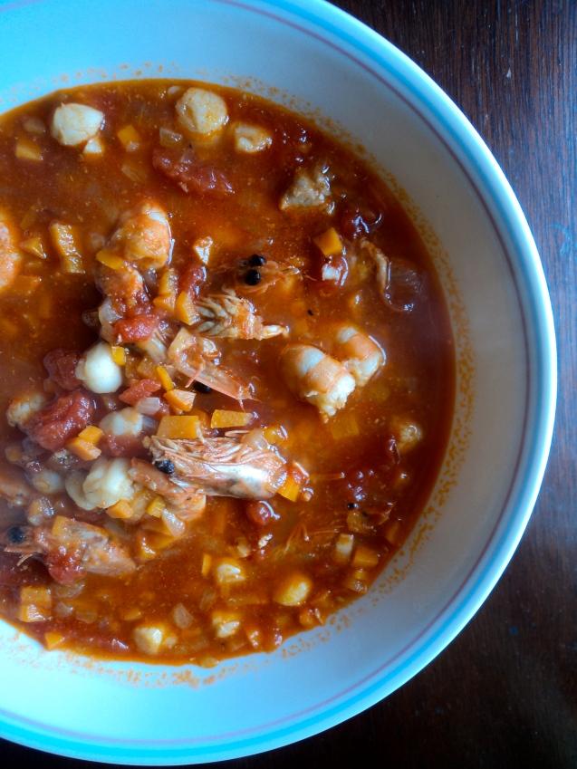 Soup, scallops, shrimp and shrimp heads