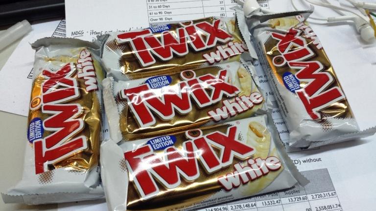 TWIX, WHITE