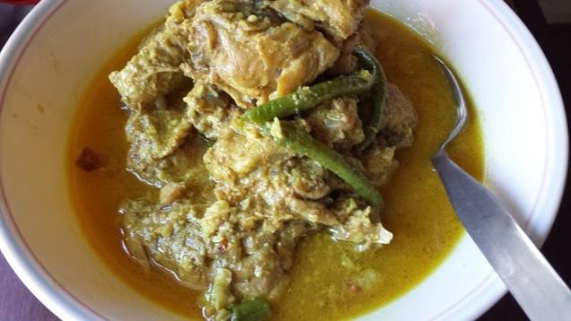 Cooked chicken kemiri