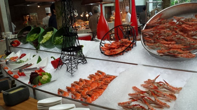 The cold seafood which I never eat :P