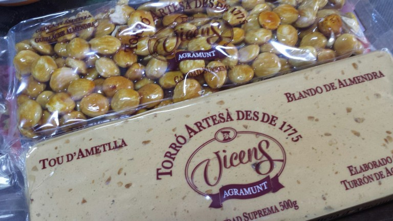 Spanish almonds, nougat and as a brittle