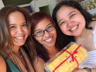 Happy to have some yema cake! Ara, Sushee and me :)