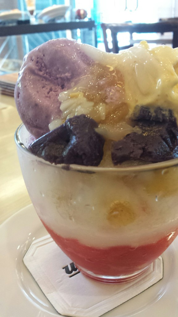 Halo-halo, but on a giant proportion good for two to three I think :)